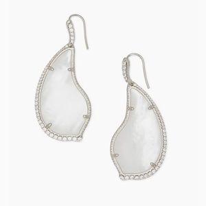 New Kendra Scott Tinley Silver Drop Earrings